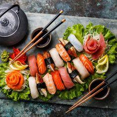 inaamshaheen: Sushi Set nigiri and sashimi with tea Photo by. inaamshaheen : Sushi Set nigiri and sashimi with tea Photo by Lisovskaya Saudi Arabia For information Få adgang til vores hjemmeside Sushi Set, Sushi Party, Sushi Restaurants, Salmon Sashimi, Japan Sushi, Asian Cookbooks, Best Sushi, Asian Recipes, Recipes