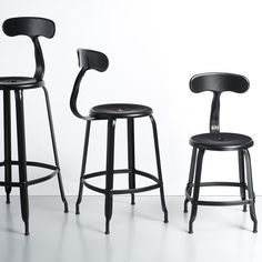 1000 images about chaises on pinterest gothenburg for Chaise design montreal