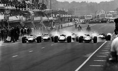 Depart du Grand Prix de France - Circuit Bugatti 1967