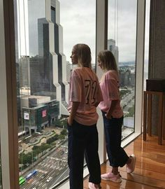 Lisa and Lena Boy Best Friend Pictures, Bff Pictures, Friend Pics, Dance Outfits, Fall Outfits, Dream It Do It, Lisa Or Lena, Besties, Insta Photo Ideas