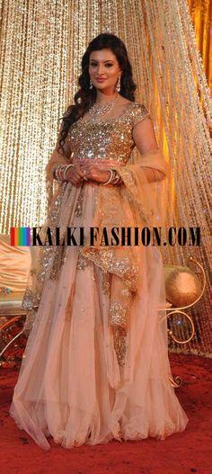 http://www.kalkifashion.com/ Sayali Bhagat in her beautiful wedding attire designer by Tarun Tahiliani ties the knot with Delhi based businessman.