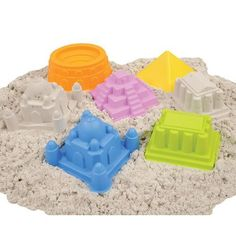 So awesome: Sand molds for kids that look like the Great Wall of China, the Colosseum, the Sydney Opera House.