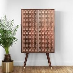 Buy Large Drinks Cabinet in Dark Wood with Gold Inlay - Dejan from - the UK's leading online furniture and bed store Furniture 123, Mango Wood Furniture, Large Furniture, Online Furniture, Luxury Furniture, Refurbished Furniture, Bedroom Furniture, Modern Drinks Cabinet, Modern Cabinets