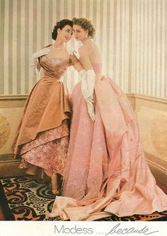 Dorian (L) with her sister Suzy Parker, July Vogue 1953