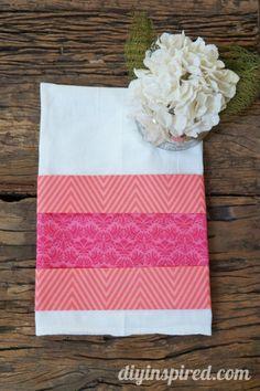 No Sew Valentine's Day Kitchen Towel - http://www.diyinspired.com/no-sew-valentines-day-kitchen-towel/ #nosew #valentinescraft #diyinspireddotcom