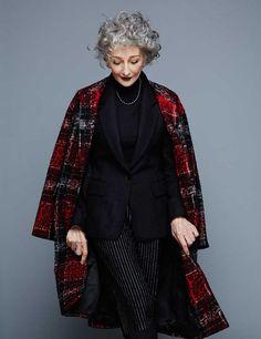 Impasibles al paso del tiempo, los clásicos estilísticos suponen un valor seguro. A los 70 años, ALICIA BORRÁS demuestra que la modernidad no es más que cuestión de espíritu.