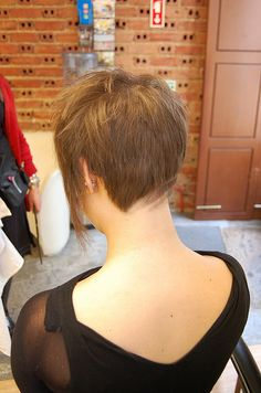 short with slight design by wip-hairport, via Flickr