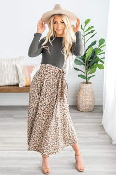 modest fashion Not Too Sweet Lace V-Neck Dress - Cream Modest Church Outfits, Cute Modest Outfits, Church Clothes, Church Dresses For Women, Summer Church Outfits, Summer Clothes, Modest Winter Outfits, Church Outfit For Teens, Modest Dresses For Women