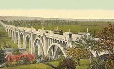 1916 - 8th Street Bridge Looking Northeast.jpg