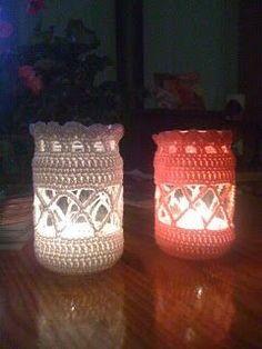 Crochet Gifts, Cute Crochet, Crochet Hooks, Knit Crochet, Crochet Lampshade, Crochet Jar Covers, Jar Art, Crochet Home Decor, Mason Jar Crafts