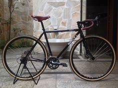 KINKICYCLE.COM — Surly Straggler @ Kon's Cycle. Kyoto, Japan. Touring Bicycles, Touring Bike, Surly Straggler, Surly Bike, Fixed Bike, Fixed Gear, Bicycle Women, Commuter Bike, Classic Bikes