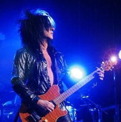 Steve Stevens is hands down one of the greatest guitar players around! He is ridiculously talented, and I was so lucky to see him perform live.