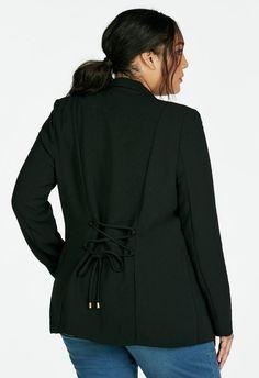 Blazer con detalle de encaje en la espalda y bolsillos frontales decorativos....