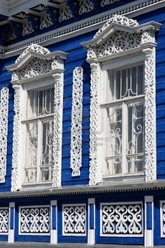 cool blue and white paint are well matched on the elegant structure.