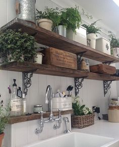 20 ways to create a French country kitchen - decoration ideas 201820 ways to create a French country kitchen - decoration ideas Charming French country house decor with timeless charm - home Charming French Country House, French Country Decorating, French Country Farmhouse, Italian Country Decor, Italian Cottage, French Country Wall Decor, Italian Home Decor, French Countryside, Country Art