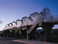 cool+bridges | Kyrene Monte Vista Pedestrian Bridge, 2004. Al Price with engineer SVR ...