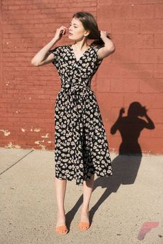 How to Look Gorgeous with Casual Midi Dress https://fasbest.com/women-fashion/look-gorgeous-casual-midi-dress/