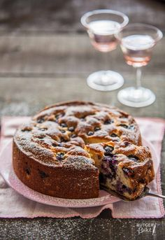 Ricotta cake with blueberries - Ricottacake met blauwe bessen - Culy. Sweet Cookies, Cake Cookies, Cupcake Cakes, Sweet Treats, Sweet Recipes, Cake Recipes, Dessert Recipes, Sweet Bakery, Pie Cake