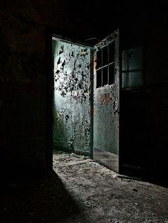 "500px / Photo ""Escape!!"" by Darren Humphries"