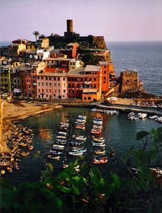 Vernazza (Cinque Terre) Liguria // by Joseph Cyr [AFAR magazine] Oh The Places You'll Go, Places To Visit, Riomaggiore, Italy Holidays, Scotland Travel, Scotland Uk, Backpacking Europe, Cinque Terre, Landscape Photos