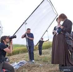 Outlander behind the scenes with Sam and Cait.