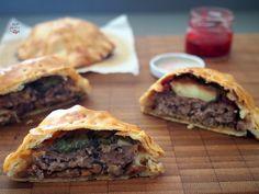 Las empanadillas son una de las preparaciones más versátiles en cocina, prácticamente lo aguantan t...