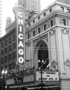 Chicago theater photograph black and white. Amanda Sapp Photography.