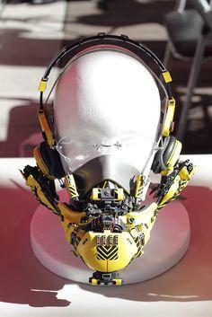surreal, yet functional cyberpunk tech by hiroto ikeuchi Mode Cyberpunk, Cyberpunk Aesthetic, Cyberpunk Fashion, Steampunk Fashion, Gothic Fashion, Robot Design, Helmet Design, Mask Design, Arte Tech