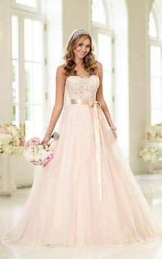 Stella York| The Bridal Cottage| North Little Rock, AR #weddinginspo #stellayork #bridalcottagebride