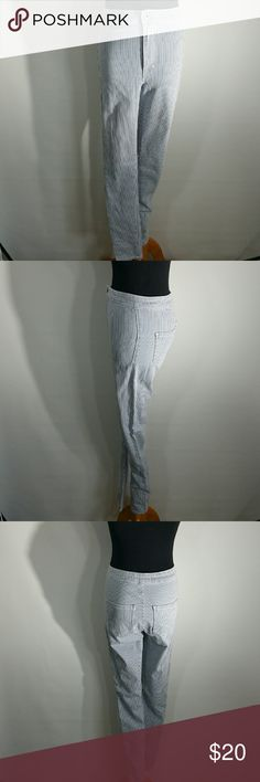 BULLHEAD UBER HIGH RISE STRIPED JEANS SIZE 5 These jeans have a high waist and are the skinniest jeans Bullhead Jeans Skinny