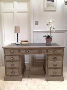Free Shipping within 100 miles of IP31 2PH. If you are outside this radius please ask for a delivery quote.  Lovely Antique Kneehole Desk Annie