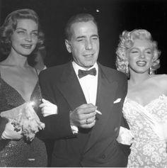 Lauren Bacall, Humphrey Bogart y Marilyn Monroe - Trío de ases del celuloide. Pues para los que nos gusta el cine de todos los tiempos ver a estos tres juntos es un placer. No dejéis de ver una peli porque sea antigua o no hagáis caso de los que os dicen: No sé como te pueden gustar esas pelis tan antiguas, son unos imbéciles integrales, aunque sean amigos xD - Fotolog