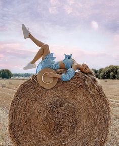 Image may contain: one or more people, sky and outdoor Best Photo Poses, Farm Photo, Summer Pictures, Love Photos, Photo Sessions, Selfies, Portrait Photography, Tumblr, Photoshoot