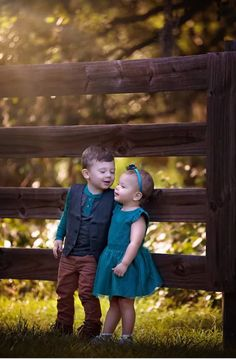 By the fence. Cute Baby Couple, Baby Love, Cute Couples, Cute Kids Pics, Cute Baby Girl Pictures, Cute Babies Photography, Children Photography Poses, Precious Children, Beautiful Children
