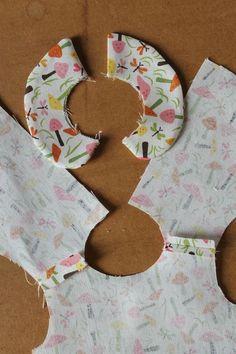 Doll Patterns Free, Animal Sewing Patterns, Baby Girl Dress Patterns, Baby Clothes Patterns, Sewing Patterns For Kids, Dress Sewing Patterns, Sewing For Kids, Baby Sewing, Sewing Doll Clothes