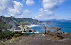 Acantilados y playas de Loiba | GALICIA MAXICA Y es que donde sino encontrarás lugares como estos en los que cualquier pelicula tendría los mejores decorados. En Galicia el paisaje es arte y cambia y se trasforma para ti cada segundo.