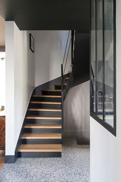 Maison Courbevoie: renovation with extension and new decor Tiled Staircase, Painted Staircases, Wood Stairs, House Stairs, Staircase Design, Small Space Staircase, Stairs To Heaven, English Country Decor, Roof Architecture