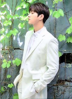 Myungsoo Fanmeeting in Seoul Kim Myungsoo, Woollim Entertainment, Kpop Boy, Korean Singer, Korean Actors, Memes, Boy Groups, Real Life, Husband