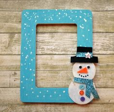 This snowman photo frame is simple to make and a great project for a snowy day!