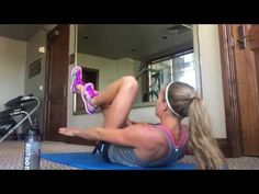 If we asked you to take a guess at how Olympic runners train, abs might not be the first thing that comes to mind, but Rio 2016 Olympian Colleen Quigley is Source by Ankara Nakliyat 6 Pack Abs Workout, Track Workout, Colleen Quigley, 5 Minute Abs, Ladder Workout, Ab Routine, How To Get Abs, Aerobics Workout, Sweat It Out