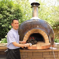 Chef/Owner Robert Masullo from is cooking up some delicious roasted mussels. One of many dishes that can be prepared inside our one of a kind handcrafted ovens. Check out our website for more information! Oven Diy, Diy Pizza Oven, Pizza Oven Outdoor, Wood Burning Oven, Wood Fired Oven, Wood Fired Pizza, Bread Oven, Four A Pizza, Brick And Wood