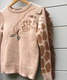 Giraffe sweater. I must have. Omg. Slahdhjdkaksshshhahkkxdskllla.... Thank you @KatieWipfli