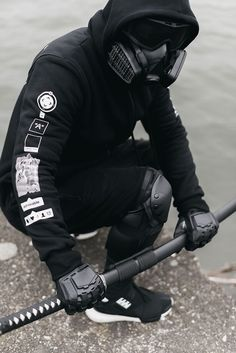 Future Fanfare — admirableco: New zipped hoodie - Snap The World. Mode Cyberpunk, Cyberpunk Fashion, Mode Inspiration, Character Inspiration, Dark Fashion, Mens Fashion, Mode Sombre, Apocalyptic Fashion, Samurai Tattoo
