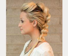 Pull Through Mohawk Braid hair tutorial - Hair Styles Mohawk Faux, Mohawk Updo, Braided Mohawk Hairstyles, Braided Hairstyles Tutorials, Pretty Hairstyles, Wedding Hairstyles, Quick Hairstyles, Updo Hairstyle, Homecoming Hairstyles