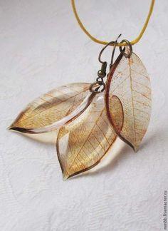 Купить ЛИСТЬЯ серьги и кулон прозрачные - коричневый, листья, весна, подарок, распродажа, скидки
