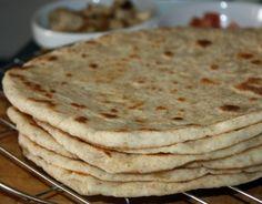 Pain lavash est une fine galette molle populaire en Turquie, l'Iran,arménie et d'autres pays du Moyen Orient il en existe deux version la croustillante soit