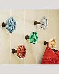 While searching for wall hooks for my bathroom, I came across a number of creatively repurposed options. From spoons to faucet handles (yes, that's right), maybe one of these hook ideas will inspire a DIY project of your own. Faucet Handles, Door Handles, Home And Deco, Wall Hanger, Diy Wall Hooks, Coat Hanger, Towel Hanger, Entryway Hooks, Entry Hallway