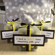 Cheer Team Treats (ribbon goes with team colors) Cheer Camp, Football Cheer, Cheer Coaches, Cheerleading Gifts, Cheer Bows, Cheerleader Gift, Cheer Treats, Cheer Gifts, Cheer Spirit