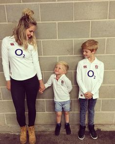 R u g b y 🌹  Me and my boys are at twickenham to watch England vs Wales!!!.... Eeeekkkk!!!!...😬 #carrythemhome #England #englandrugby #rugby #meandmyboys #oneononetime #mumlife #bestlife #rugbyforlife 🏉🌹