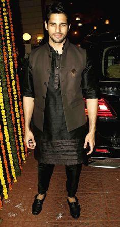 Photos: Ekta Kapoor hosts a star-studded Diwali bash Mens Indian Wear, Mens Ethnic Wear, Indian Groom Wear, Indian Men Fashion, Mens Fashion Wear, Indian Man, Suit Fashion, Groom Fashion, Wedding Kurta For Men